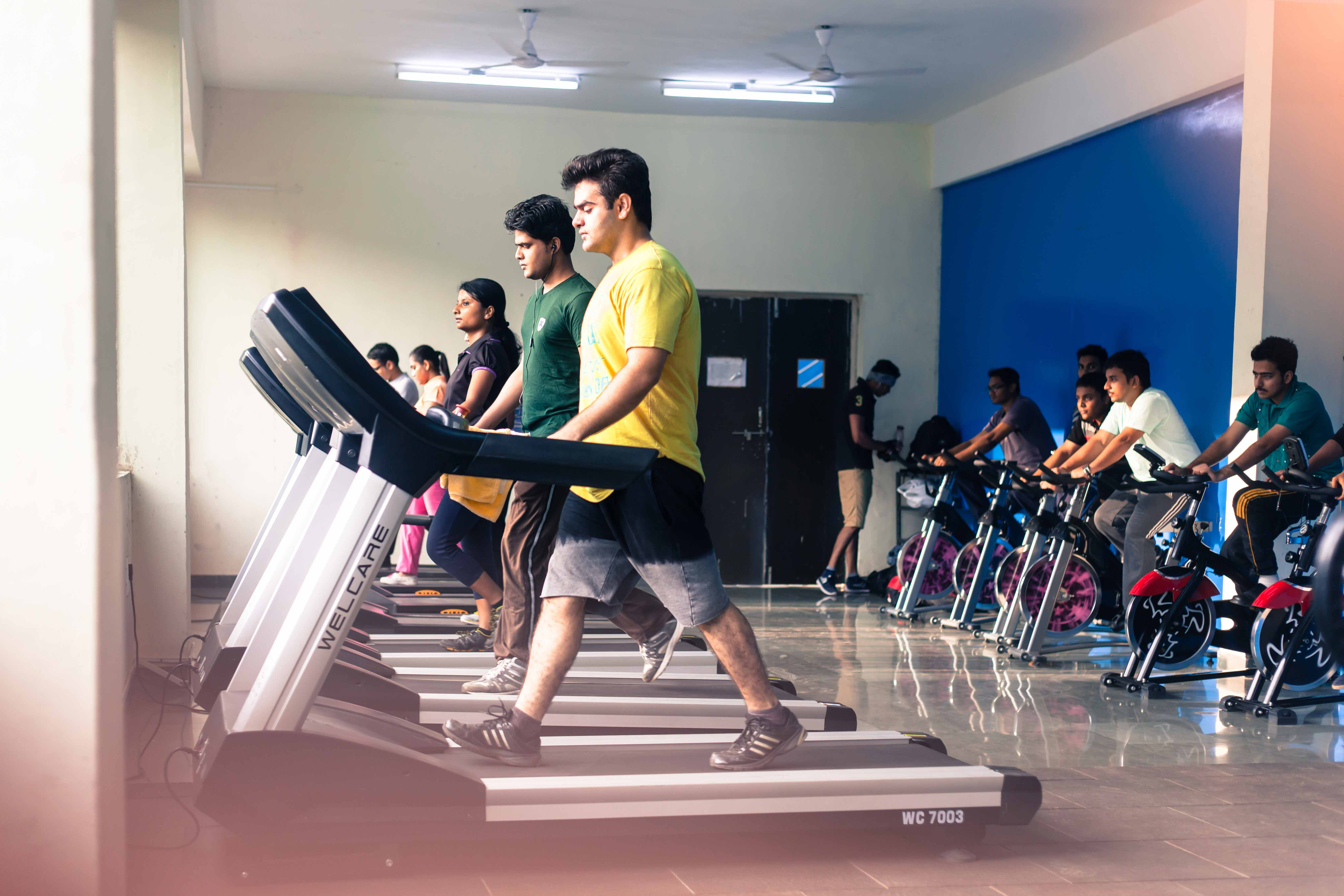 Students of PIBM using TreadMill_Confidence Building_PIBM Pune