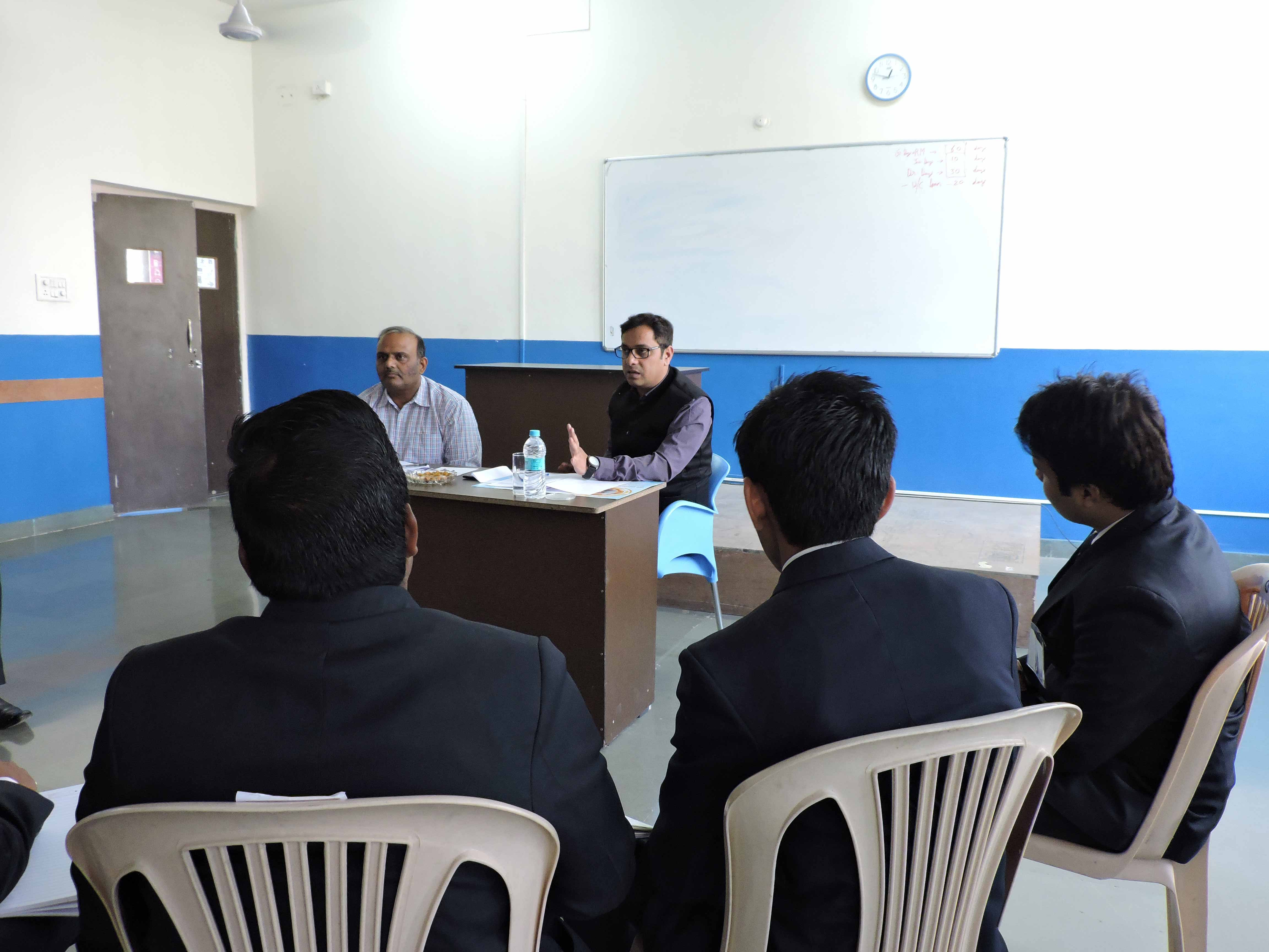 Mock GD by Mr. Manish Singh_Confidence Building_PIBM Pune
